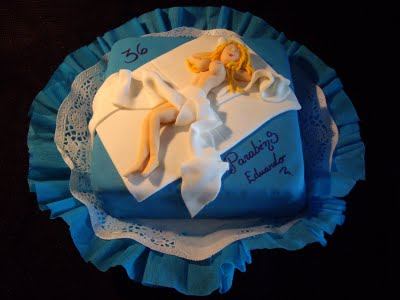 Bolos de Aniversário Somente Para Adultos 09