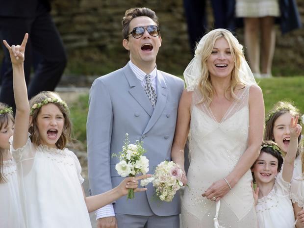 O Polêmico Casamento de Kate Moss 01