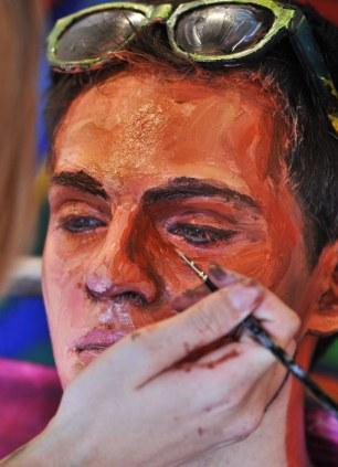 Artista Pinta A Pele Dos Modelos Para Fazê-Los Parecer Com Pinturas Em Tela 04