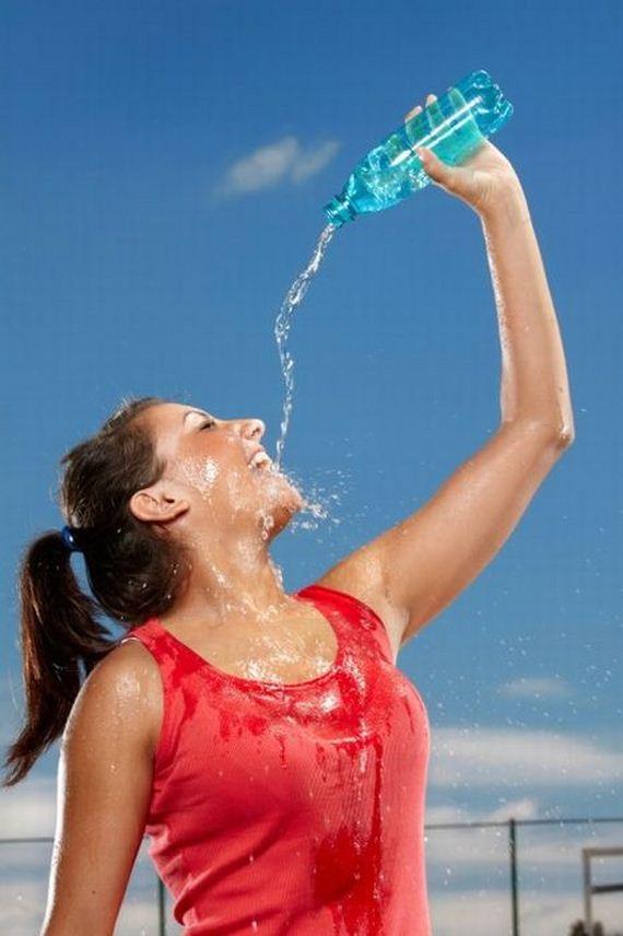 Será que elas Pensam que Errar a Água na Boca é Sexy? 11