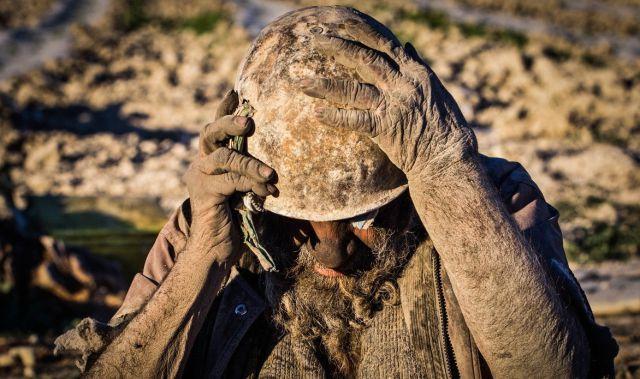 Iraniano está há 60 anos sem tomar banho