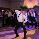 Noivo Faz Surpresa à Sua Amada Dançando Música do Justin Bieber