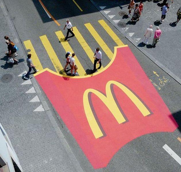Criativas propagandas pelas ruas