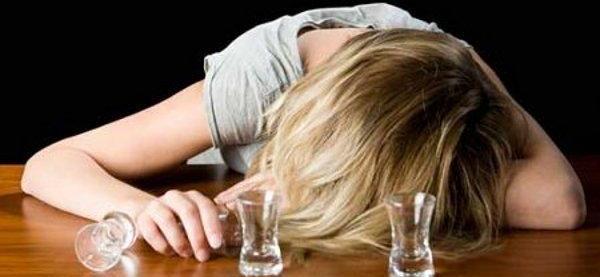 8 Remédios Fáceis de Encontrar Que Ajudam a Curar a Ressaca