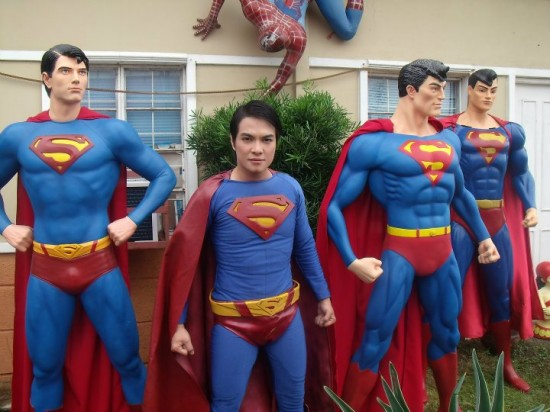 Rapaz Faz Cirurgia Plástica Para Ficar Parecido Com O Super-Homem