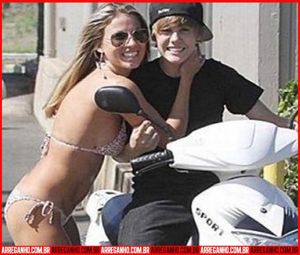 10 Fotos que Provam que Justin Bieber Ama (ou Não) suas Fãs - 04
