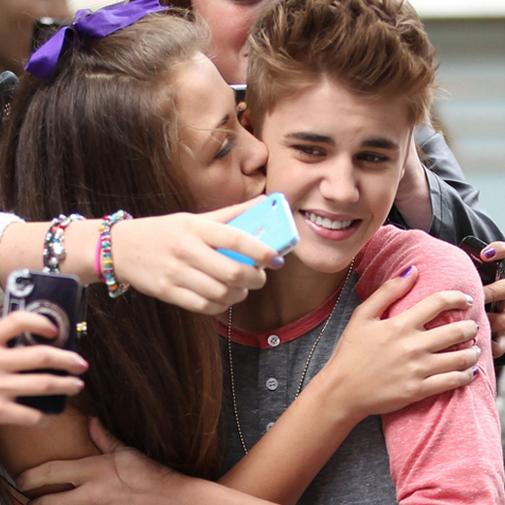 10 Fotos que Provam que Justin Bieber Ama (ou Não) suas Fãs
