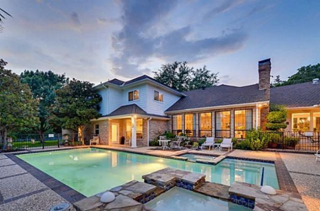 Chuck Norris coloca sua casa a venda por $1.2 million