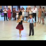 Garotinho Arrasando na Dança