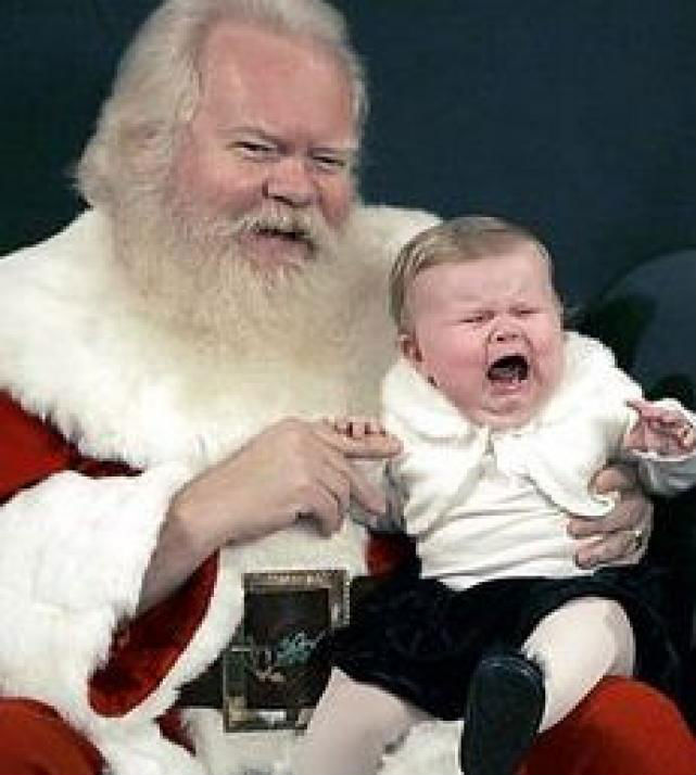 10 Imagens que provam que nem todas as crianças gostam do Papai Noel