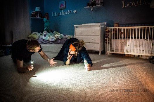 9 Fotos que mostram a realidade sobre cuidar dos filhos