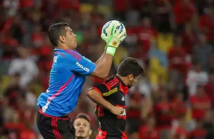 Diego Souza goleiro